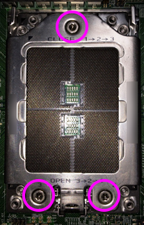 Ryzen Threadripper マザーボードにCPU取付-1
