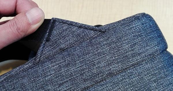 多機能バッグ「UDEE」の細部の縫製をチェック