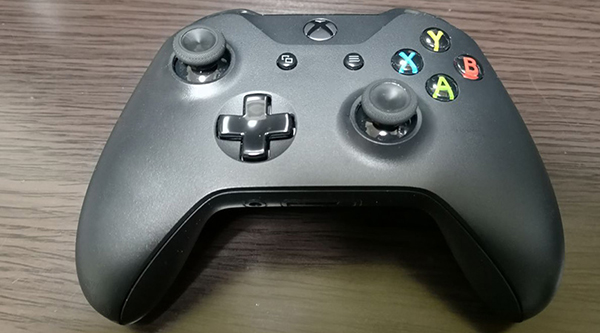 Xbox one ワイヤレスコントローラーの外観