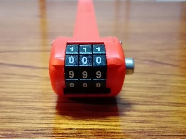 「OTTOLOCK」初期設定の暗証番号は「0-0-0」