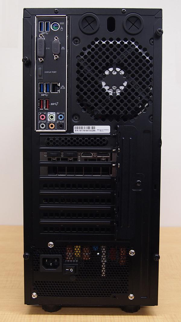LEVEL-R037-i7K-XNA-XV [Windows 10 Home]本体裏面