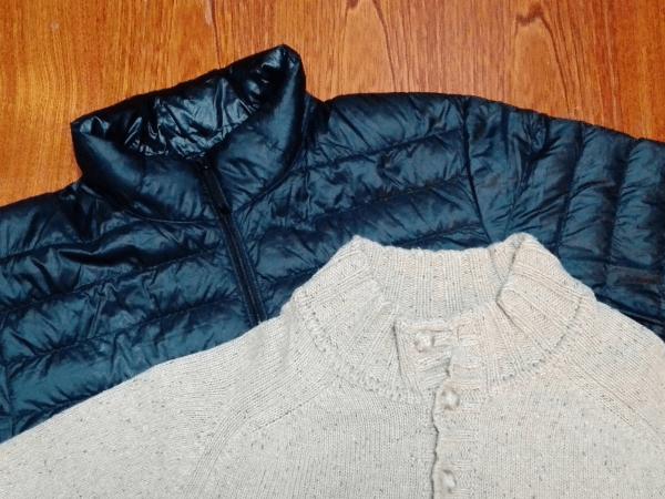 試しで使用するセーターとダウンジャケットになります。