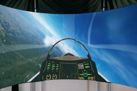 ゲーム用プロジェクタースクリーンおすすめ「SIMPIT AVENGER 180 Pro」レビューのイメージ画像