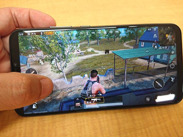 ZenFone5 PUBG MOBILE プレイ中も動作が重くなるといったことはないようだ