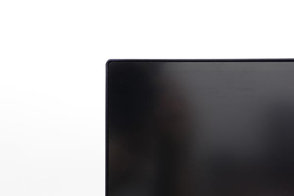 LG 27UK650-Wは狭額ベゼルで画面の縁が気にならない