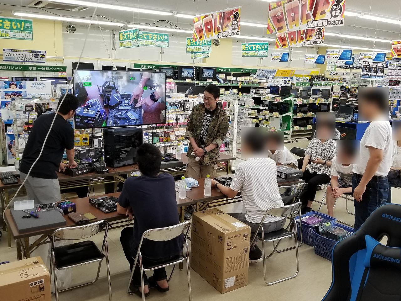 パソコン工房 富山店:左側が高橋敏也さん、右側が森田健介さん