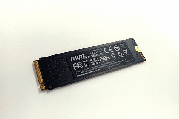 SAMSUNG 970 EVO 裏面