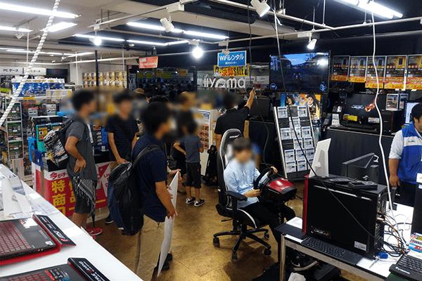 パソコン工房 グッドウィル EDM館のTHE CREW2 Japan CUP 地方予選会イベントステージ