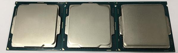 CPU表面:左からCoffee Lake「Core i7-8700K」、Kaby Lake「Core i7-7700K」、Skylake「Core i7-6700K」