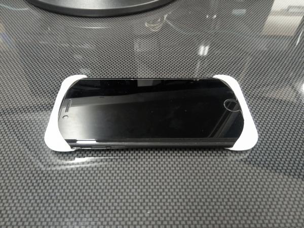 iPhone 7に取り付けた「Palmo(パルモ)」(表側)
