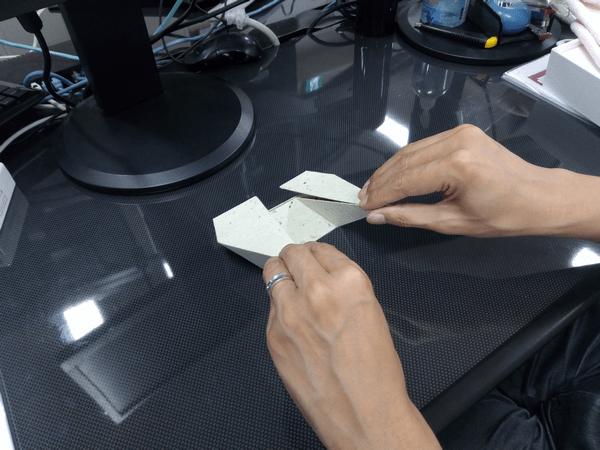 スマホ・タブレット・ノートパソコンに対応した「Foldable2」の折り方1-手順②