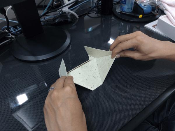 スマホ・タブレット・ノートパソコンに対応した「Foldable2」の折り方1-手順①