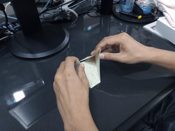 スマホ・タブレット・ノートパソコンに対応した「Foldable2」の折り方2-手順②