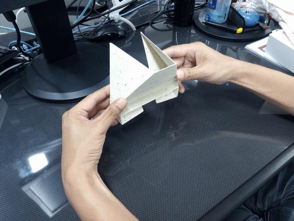 スマホ・タブレット・ノートパソコンに対応した「Foldable2」の折り方3-手順③
