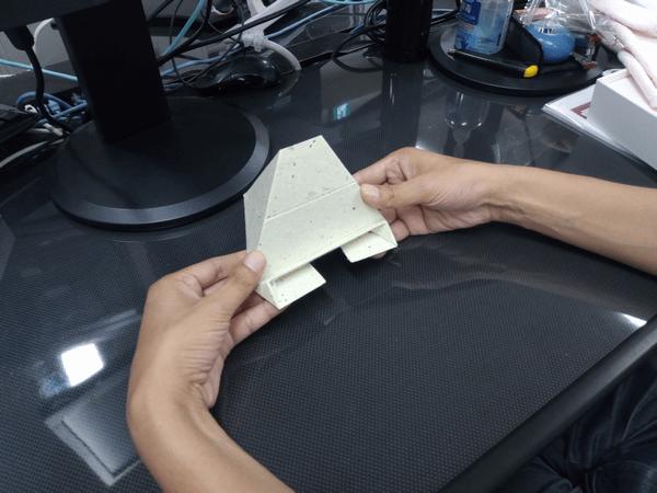 スマホ・タブレット・ノートパソコンに対応した「Foldable2」の折り方4-手順④