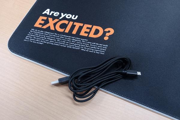 大型RGBゲーミングマウスパッド LEV-RGB-DM01/BK 給電用micro USBケーブル
