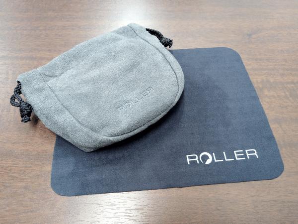 「LUZLI Roller MK01」にはスエードのミニポーチとクリーニングクロスが付属