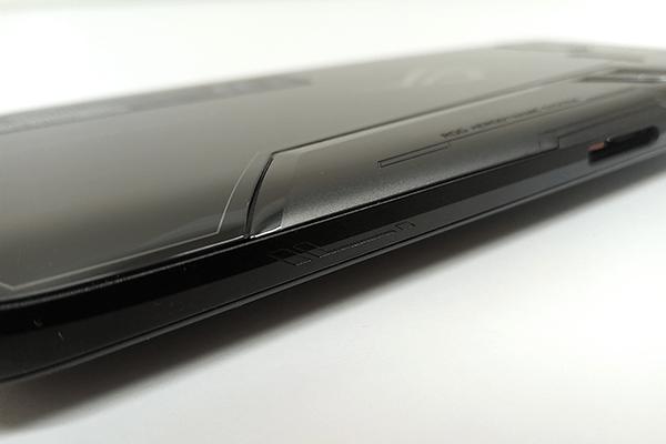 ASUS「ROG Phone」本体側面の超音波タッチセンサー
