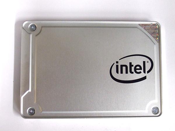 Intel SSD 545s シリーズ