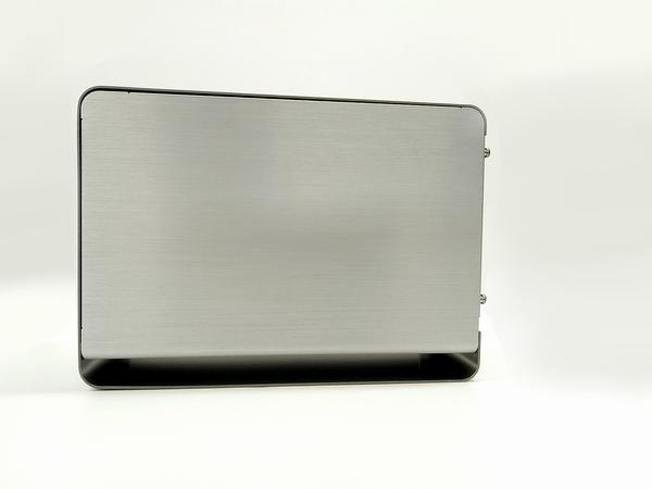外付けGPU BOXの右側面