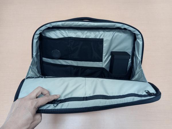 NOMATICシリーズノートPCバッグのメッシュポケット