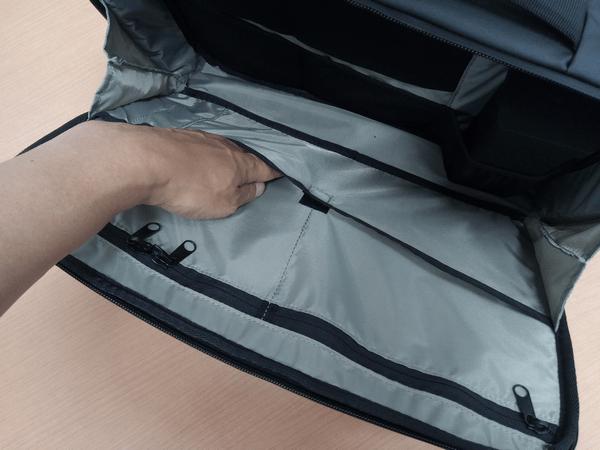 NOMATICシリーズノートPCバッグのポケット部分