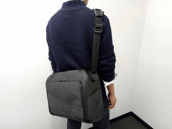 NOMATICシリーズメッセンジャーバッグの使用例