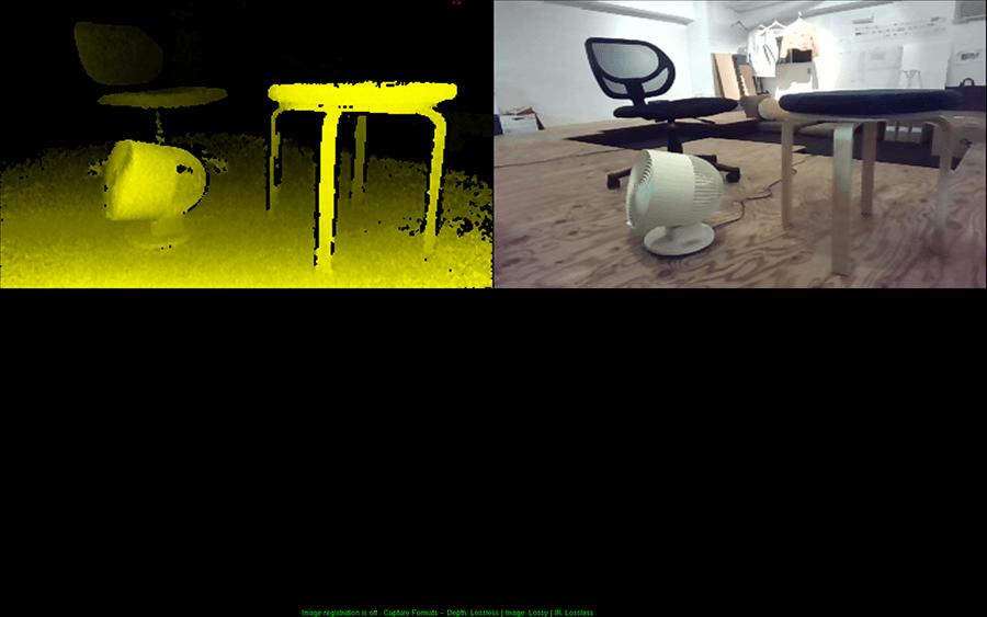 RGBカメラによる画像(右)と深度センサーによる画像(左)