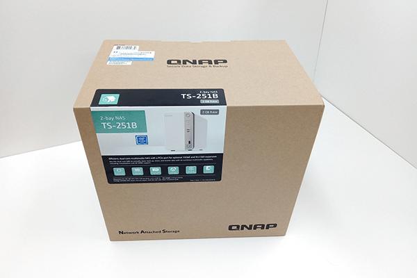 QNAP TS-251B 梱包箱