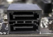 SSDの種類:2.5インチ型SATA SSDマザーボード側