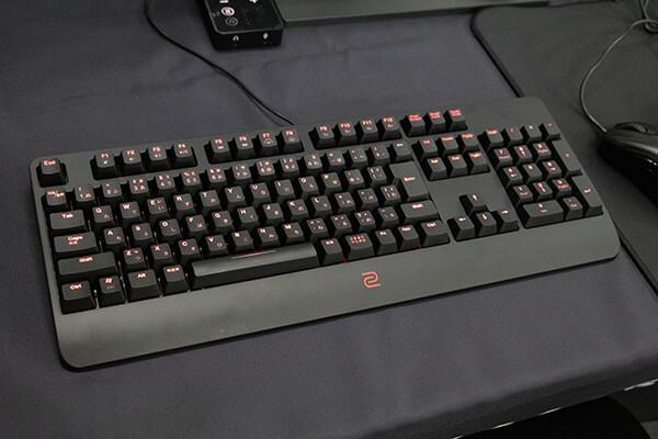 BenQ ZOWIE CELERITAS IIキーボード