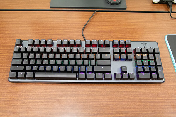 TRUST GAMING GXT 865 Asta Mechanical Keyboard