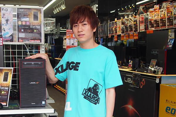 うゅりる選手がパソコン工房 大阪日本橋店に到着