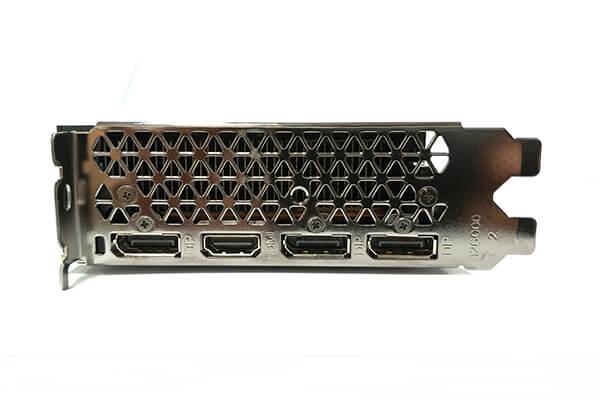 ZOTAC製GeForce RTX 2080 SUPERカードの出力コネクタ