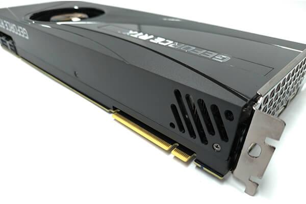 ZOTAC製GeForce RTX 2080 SUPERカードのNV-Link端子