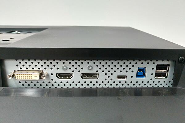 ColorEdge CS2731-BKの接続端子部分