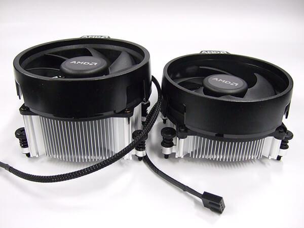 Ryzen 5 3400G同梱のWraith Spire(左)とRyzen 3 3200G同梱のWraith Silent(右)