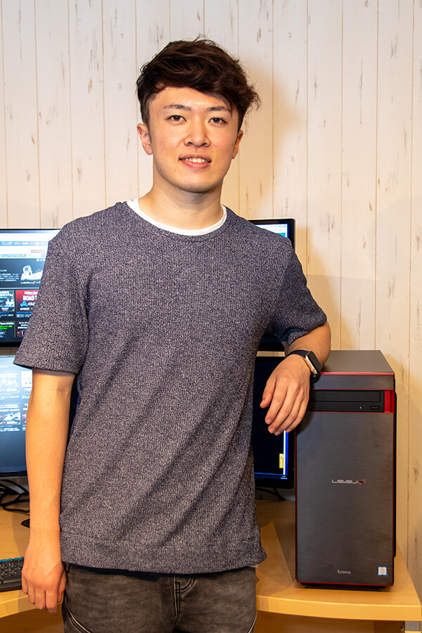 宮田選手とiiyama LEVEL∞ ゲーミングパソコン