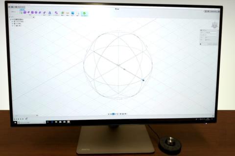 BenQ PD3220U デザイナー向け液晶モニター レビューのイメージ画像