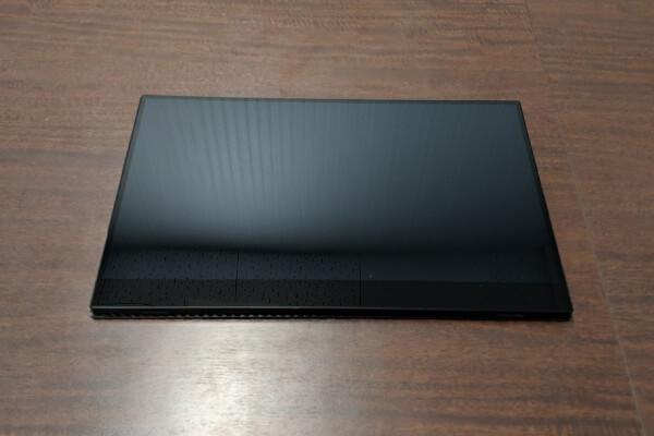 モバイルディスプレイ「FW-LCD156」液晶パネル面