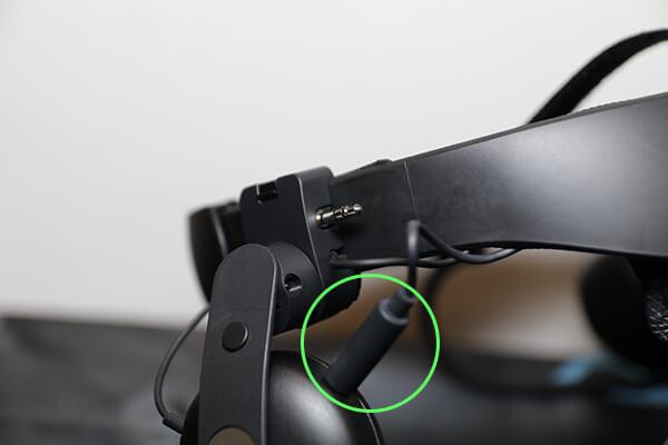 VIVE COSMOS 汎用ヘッドホンやイヤホンも利用が可能
