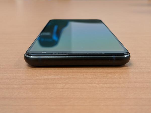 ASUS ROG Phone 2の外観(上部)