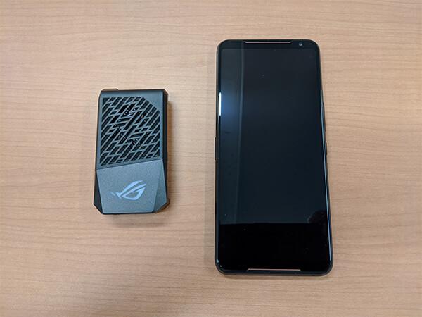 ASUS ROG Phone 2本体とAeroActive Cooler 2