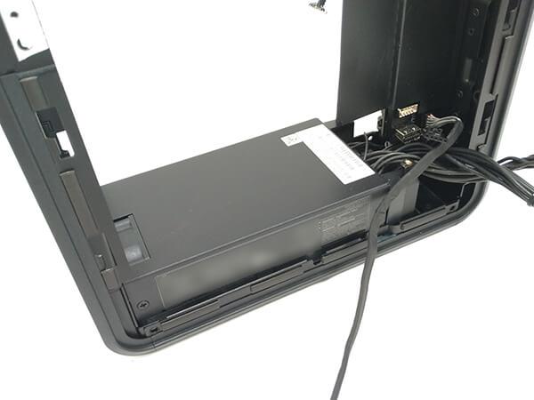 インテルNUC9i9QNXの取り外し可能な500W電源