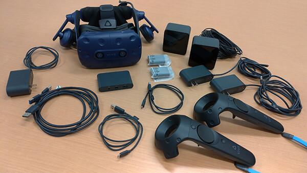 VIVE Proのアップグレードキット + VIVE CEのベースステーションとコントローラー