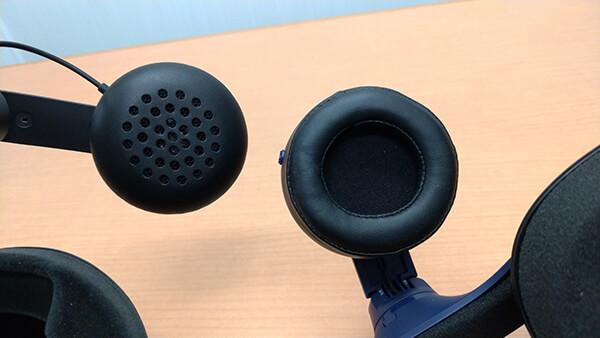 耳にぴったりフィットするヘッドフォンに変更