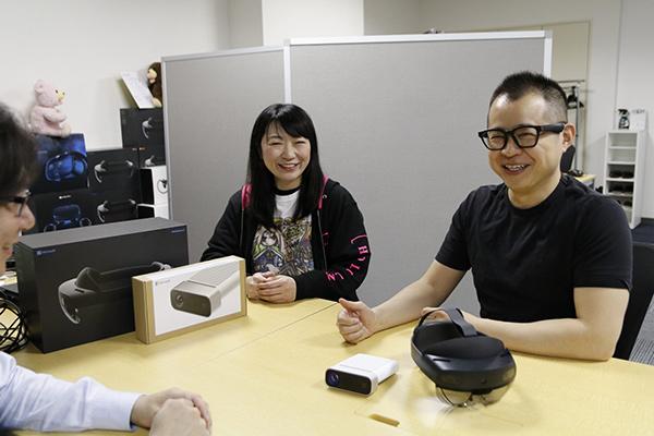 株式会社ホロラボ 平山さん(中央)と江口さん(右)