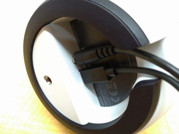 ミーティングオウル プロにACアダプター、USBケーブルを接続