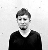 横井 康秀氏